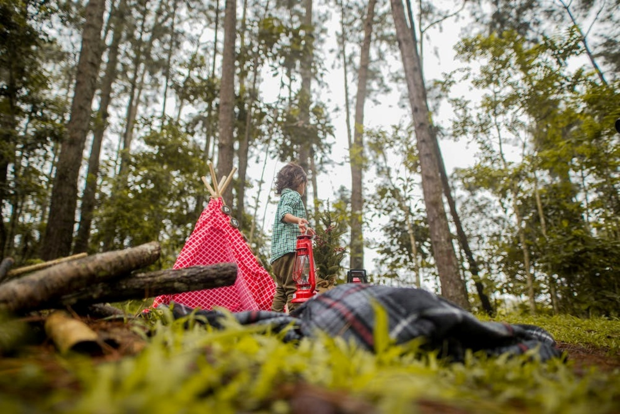 HAPPY CAMPERS – FROM TENTS TO TASTY MEALS