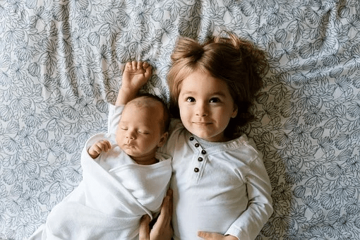 How to Introduce Your Child to a New Sibling