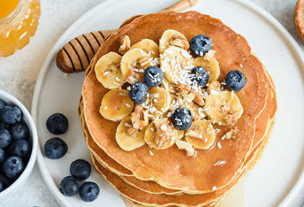 DELICIOUS AND HEALTHY FRESH OAT PANCAKES