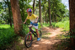GET OUTDOORS FOR A FUN AND SAFE FAMILY HOLIDAY